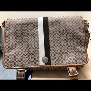 Coach signature C messenger bag